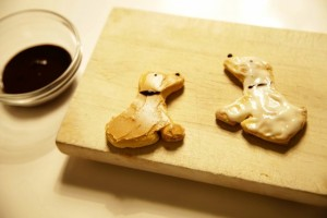 how-to-make-adorable-labrador-retriever-cookies-painting-with-chocolate
