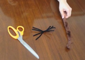 Making a Spider Cat Toy with Pipe Cleaners